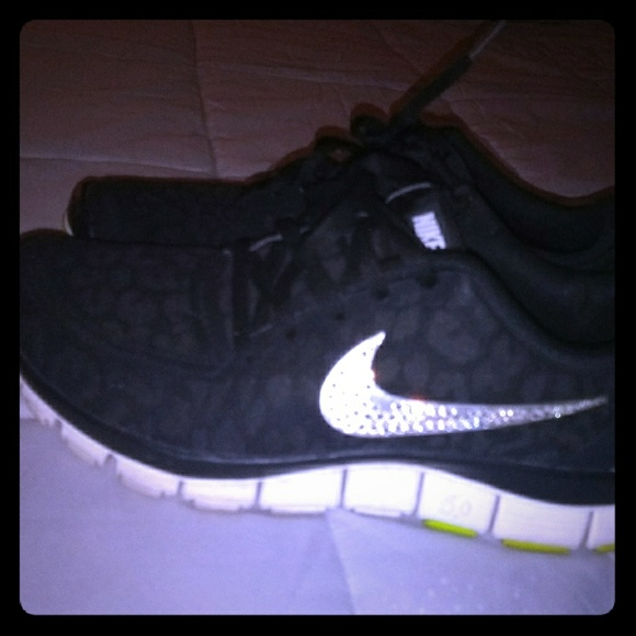 info for d73d3 ceed4 Cheetah print nike free 5.0 with crystals. M 5a3d81a500450fe28d02e9f0